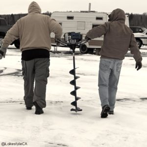 Ice Fishing - Lakestyle - Teamwork